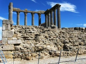 ruiny rzymskiej świątyni